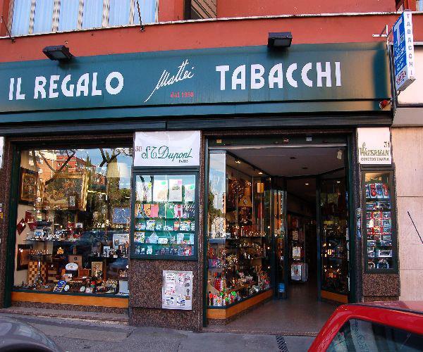 Tabaccheria,articoli da regalo e molto altro...